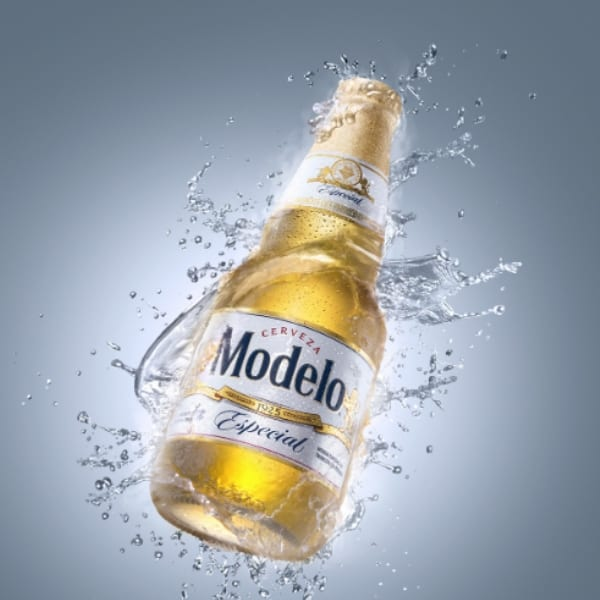 modelo lager good product shot